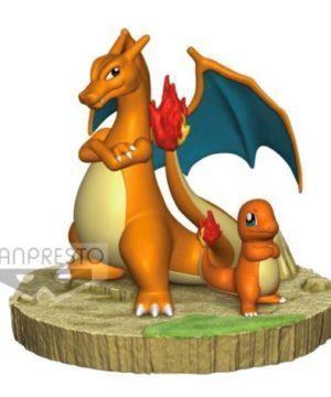 Pokemon Charizard & Charmander Figure